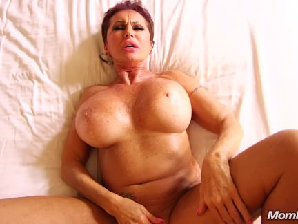 Squirting Russian GILF horny for dick